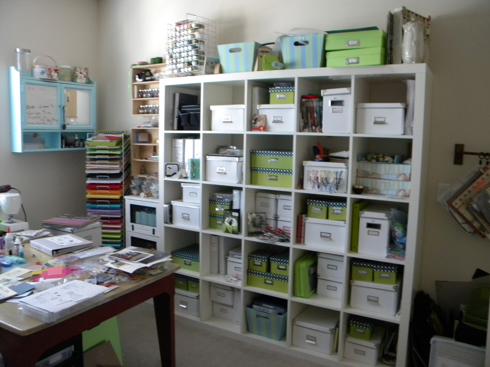 Scrap 39 n surprise new year 39 s resolution - Scrapbooking storage ideas for small spaces plan ...