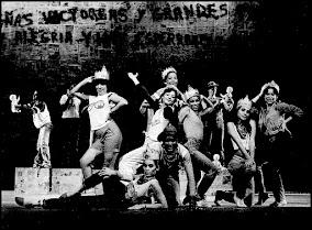 TU PAÍS ESTÁ FELIZ, de Antonio Miranda y Xulio Formoso, dirección Carlos Giménez (reposición 1984)