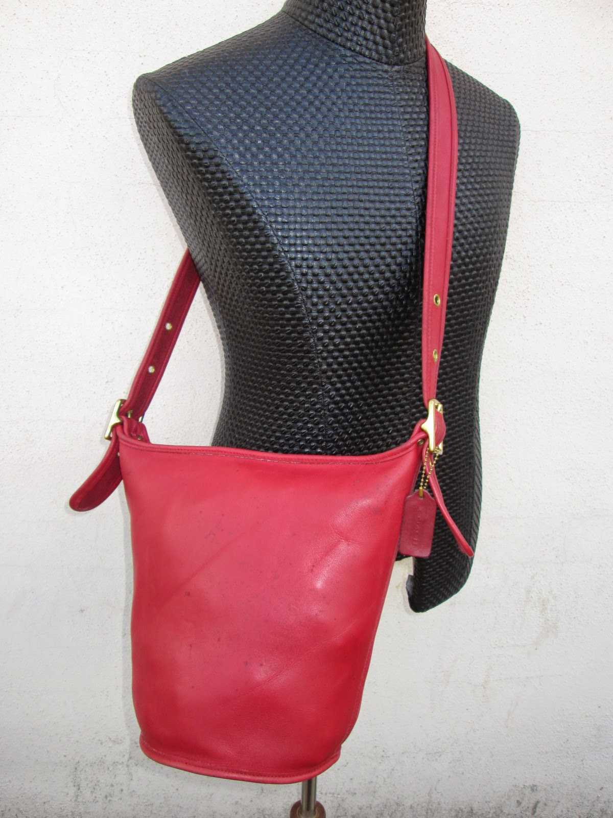 D0rayakeebag Authentic Coach Red Leather Shoulder Sling