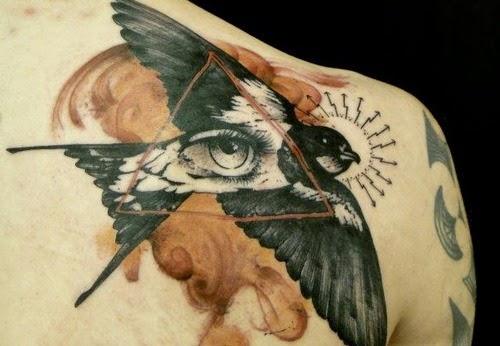 Tatuaje triangulo Xoil, http://distopiamod.blogspot.com