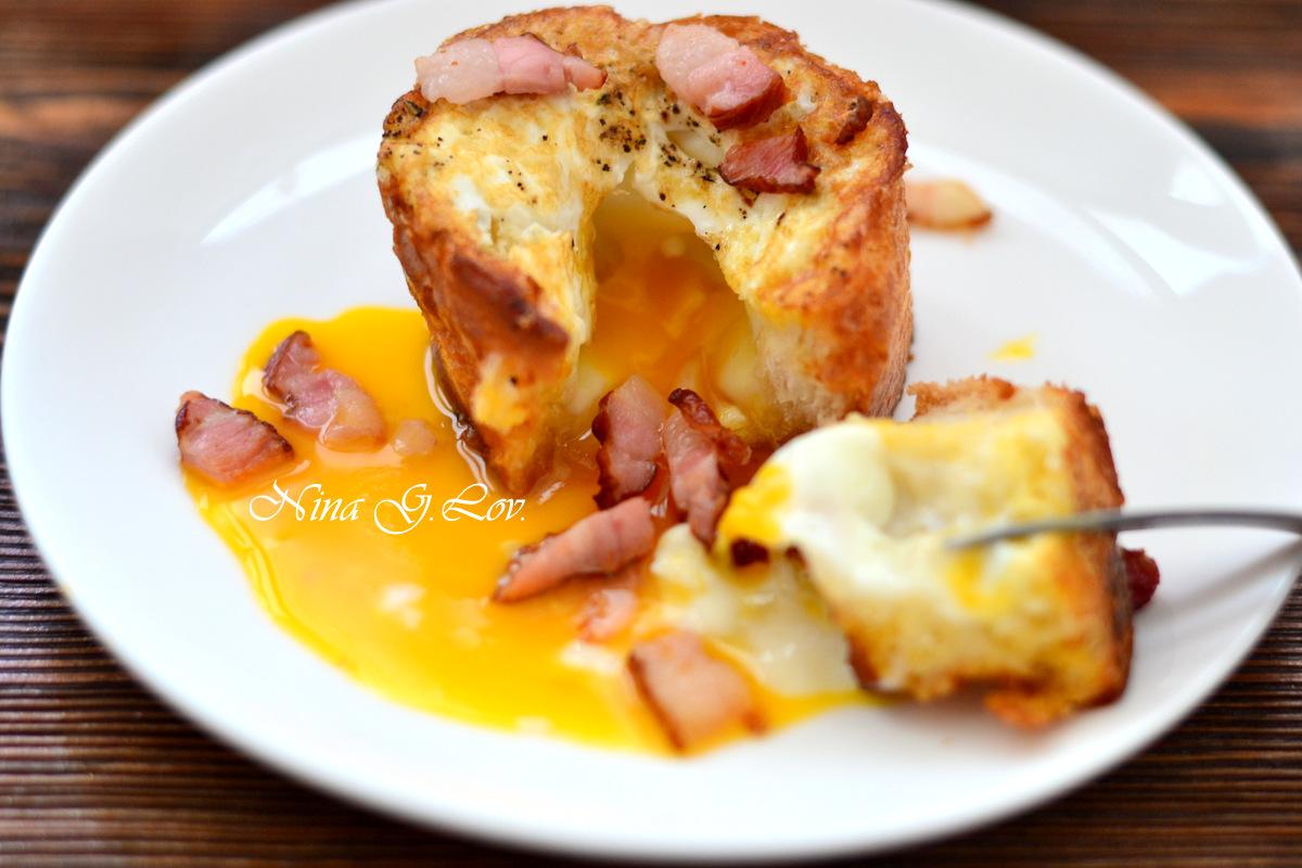 Аппетитная яичница на завтрак