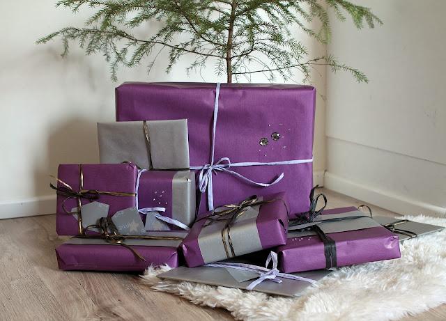 paketointi, wrapping, joululahjat kuusen alla