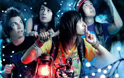 Pierce the Veil... A Flair For The Dramatic Pierce The Veil