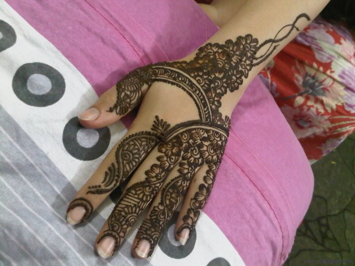 New Party Mehndi Designs : Mehndi style party designs for