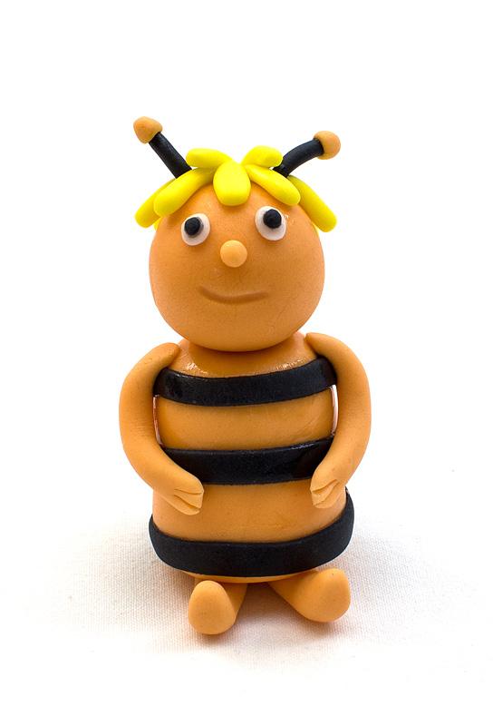 Bee Maya fondant figure