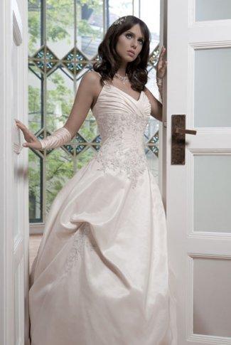 robes de mariage robes de soir e et d coration robes de mari e lady pearl. Black Bedroom Furniture Sets. Home Design Ideas