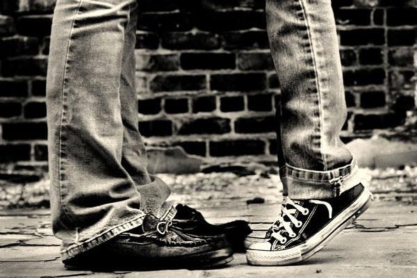 kaki kembar