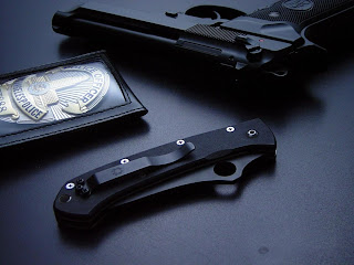 Police Knife And Gun HD Wallpaper