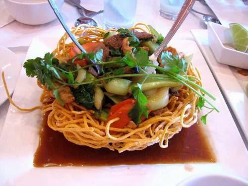 Vietnamese Noodle Recipes - Mì Xào Giòn