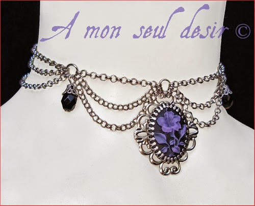 Collier fleur violette camée gothique victorien purple flower cameo gothic goth necklace victorian Vénéneuse
