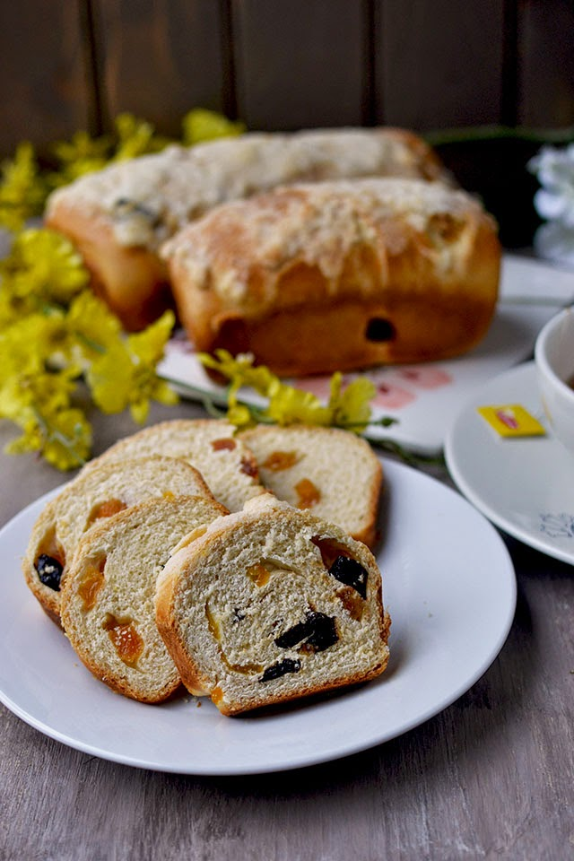 Sweet Spring Bread