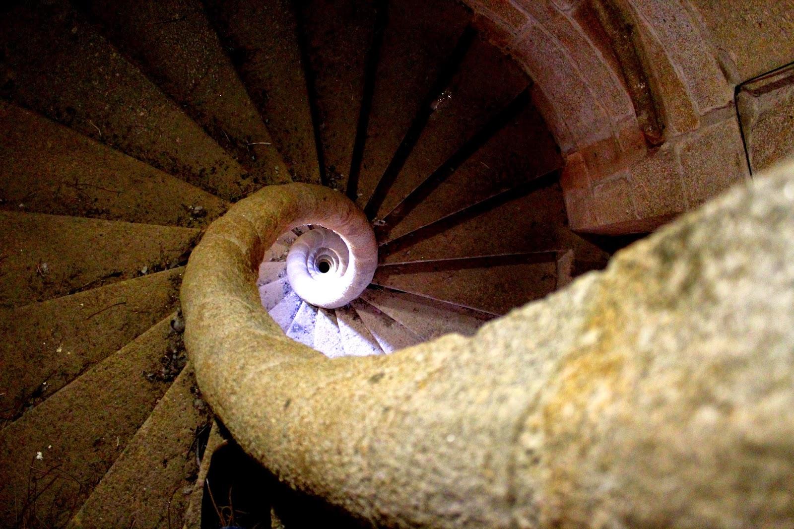 Escalera de caracol en la catedral de Coria