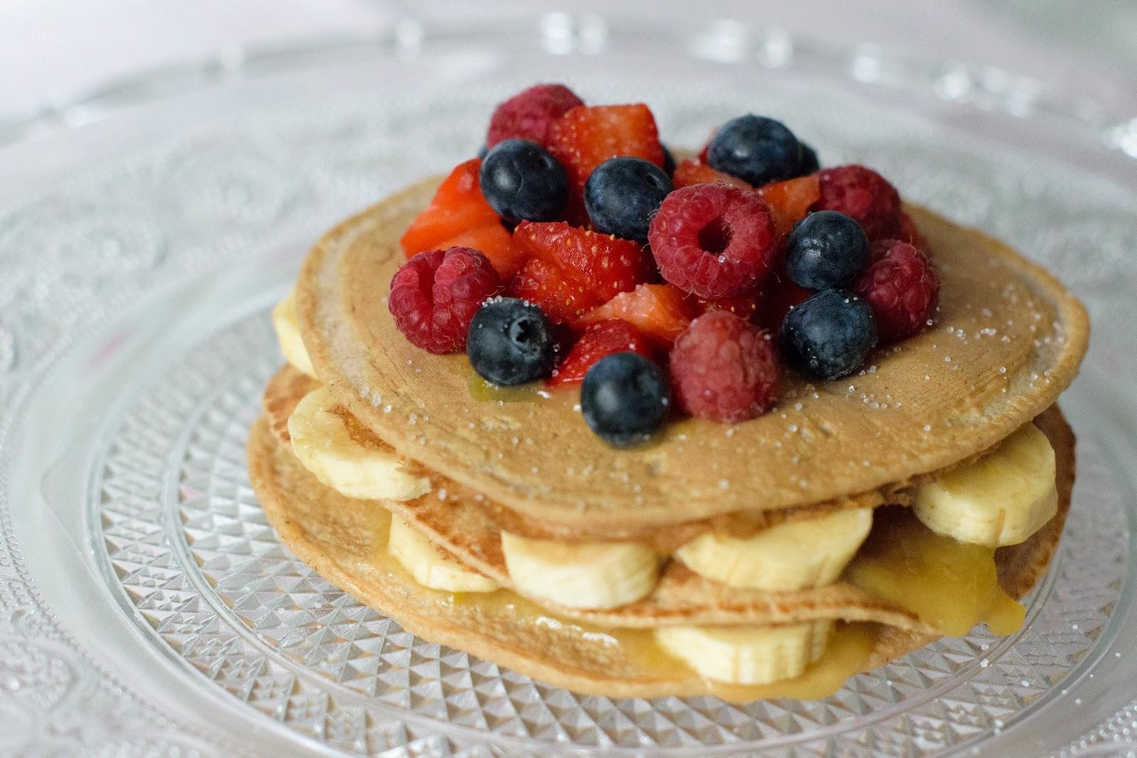 Tortitas de avena y frutos rojos