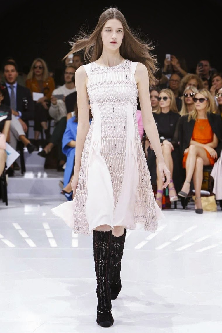 Dior spring summer 2015, Dior ss15, Dior Dior ss15 pfw, Dior pfw, Christian Dior, Christian Dior spring summer, raf simons, raf simons dior, miroslava duma, pfw, pfw ss15, pfw2014, fashion week, paris fashion week, du dessin aux podiums, dudessinauxpodiums, vintage look, dress to impress, dress for less, boho, unique vintage, alloy clothing, venus clothing, la moda, spring trends, tendance, tendance de mode, blog de mode, fashion blog, blog mode, mode paris, paris mode, fashion news, designer, fashion designer, moda in pelle, ross dress for less, fashion magazines, fashion blogs, mode a toi, revista de moda, vintage, vintage definition, vintage retro, top fashion, suits online, blog de moda, blog moda, ropa, asos dresses, blogs de moda, dresses, tunique femme, vetements femmes, fashion tops, womens fashions, vetement tendance, fashion dresses, ladies clothes, robes de soiree, robe bustier, robe sexy, sexy dress