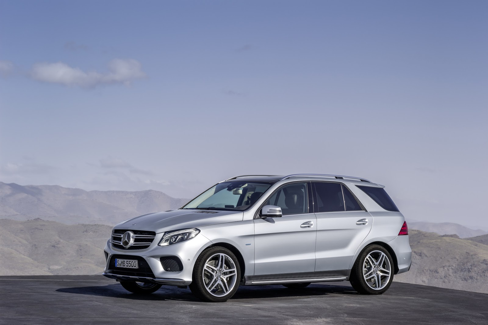2016 Mercedes Benz Gle Officially Breaks Cover 66 Hd