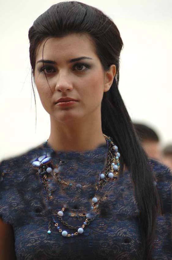 زیباترین زن دنیا بدون آرایش  عکس