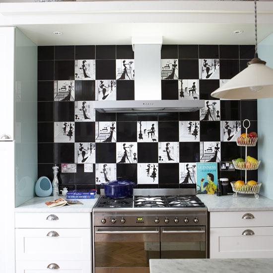 Кухонный фартук из оригинальной черно-белой плитки