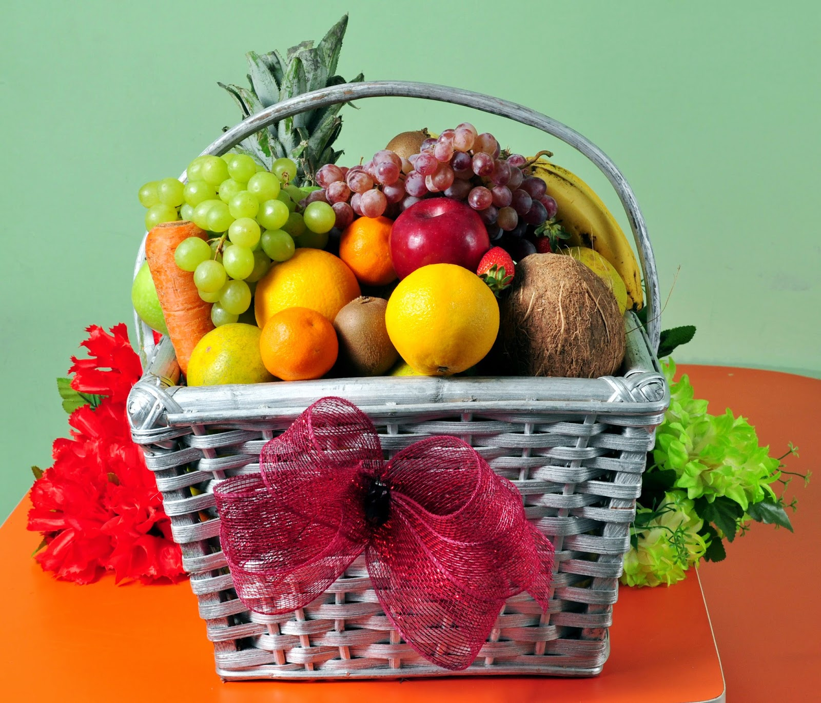 Get These Yummy Fruit Baskets Amp Gift Hampers For Christmas