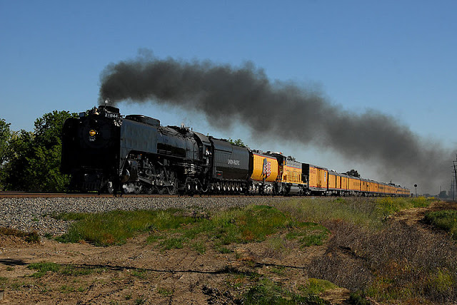 Gambar Kereta Api Lokomotif Uap Union Pacific Northern 4-8-4 844 09