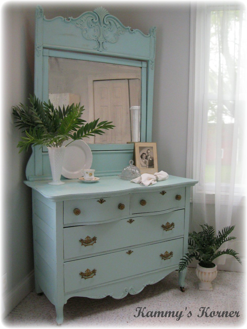 Kammy 39 S Korner The Aqua Antique Makeover