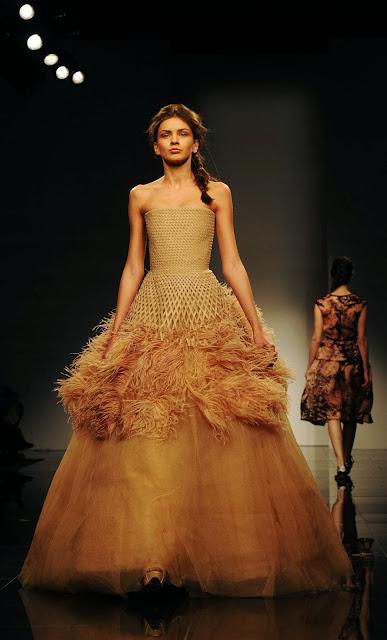 Model, Car, Mercedes Benz, Fashion, Saint-Petersburg, Week, Show, Creation, Creation, Giles Deacon, Russia, Ramp,