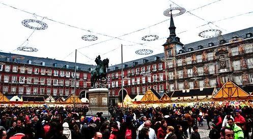 Empieza el mercadillo navide o de la plaza mayor algo - Mercado de navidad madrid ...