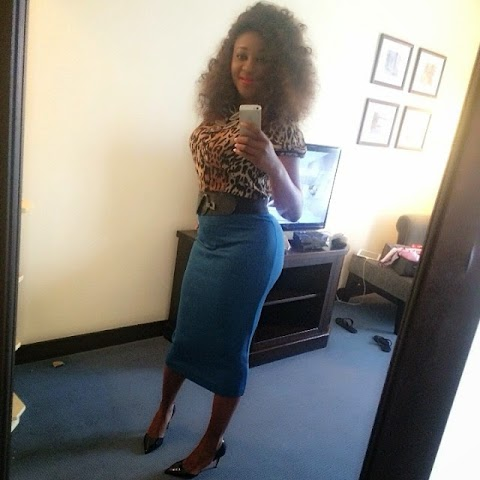 Ini Edo Rocks a Friday Roomselfie !  You Like ?