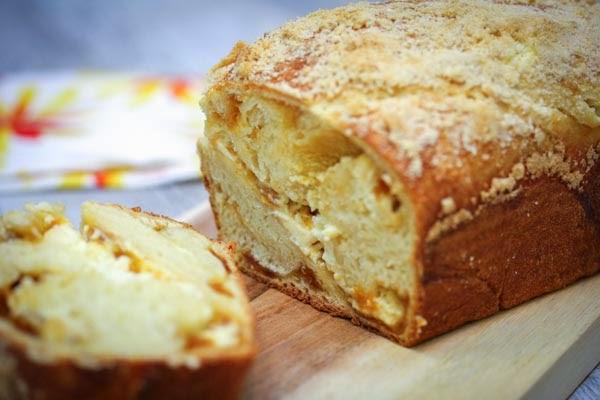 apricot-cream-cheese-bread