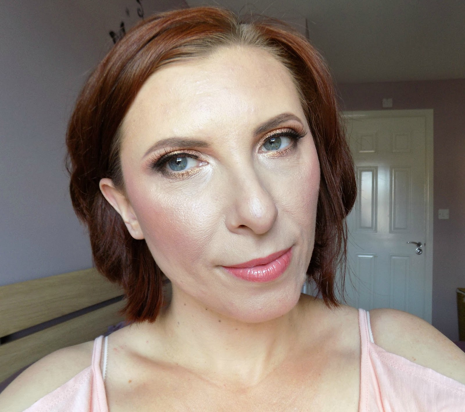 Summer peach makeup look