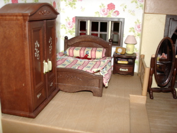 Sylvanian Families Oakwood Manor Master Bedroom set wallpaper
