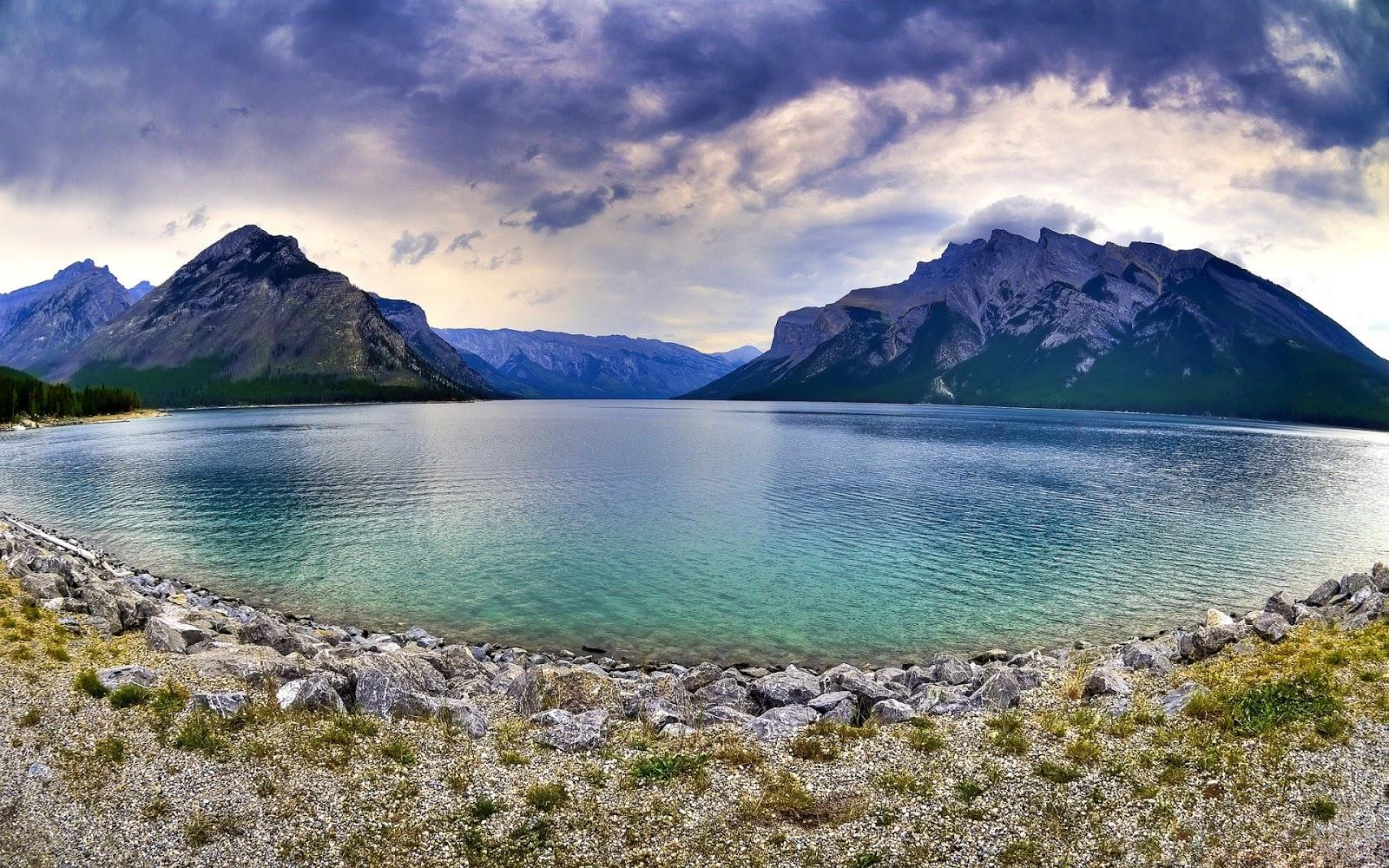 Beautiful Banff Lake