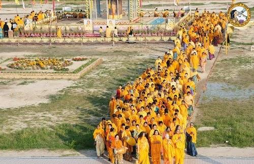 Holi 2014 sadhana at Mangarh. Kripalu ji Maharaj Holi play will be in Mangarh and Radha Madhav Dham