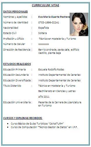 como hacer un curriculum en word 2010
