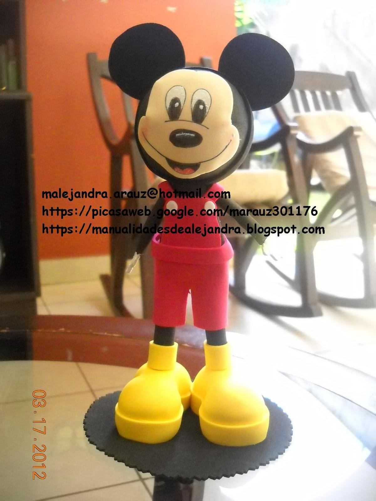 Cajitas de torta de la minnie y mickey manualidades - Manualidades minnie mouse ...