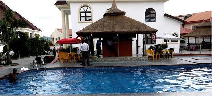Pauliham Hotels swimming pool