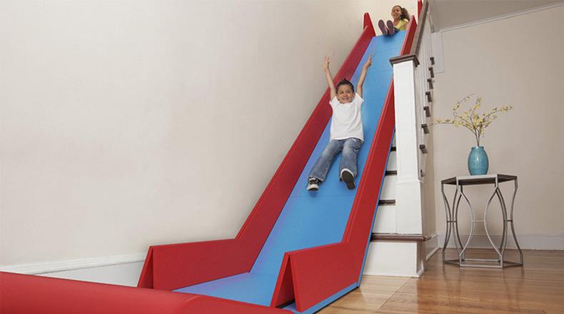 SlideRider convierte las aburridas escaleras de interiores en un impresionante tobogan