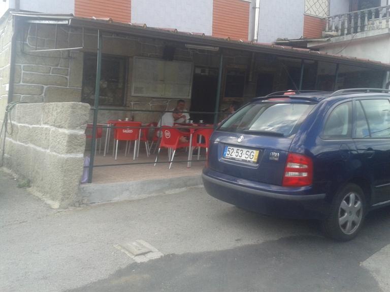 Esplanada do Café da Praia Fluvial