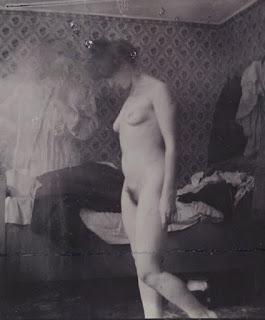 Rosa Meissner à l'Hotel Rohn, Warnemünde, 1907, épreuve gélatino-argentique, 8,7 x 7,3 cm, © Munch Museum / Munch-Ellingsen Group / BONO 2011, © Adagp, Paris 2011