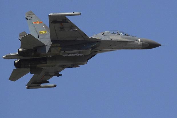 China Terbangkan 2 Jet Tempur Sebagai Sepon Rencana AS Kirimkan Kapal Perang di LCS