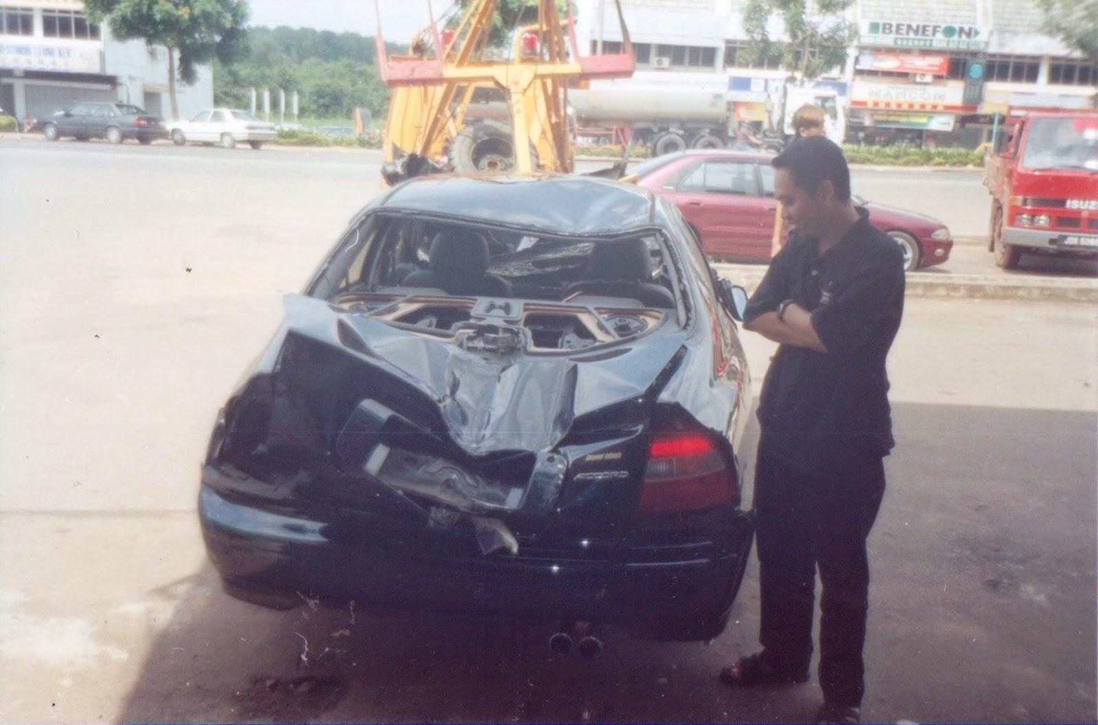 Honda Accord 2.2 Vtec - Kemalangan di Lebuhraya PLUS Pagoh, Muar, Johor.