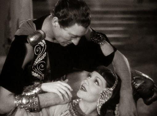 Cleopatra julius caesar relationship