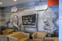 Karykatóry Hockinga i Einsteina na Politechnice Warszawskiej w domu studenckim Żaczek