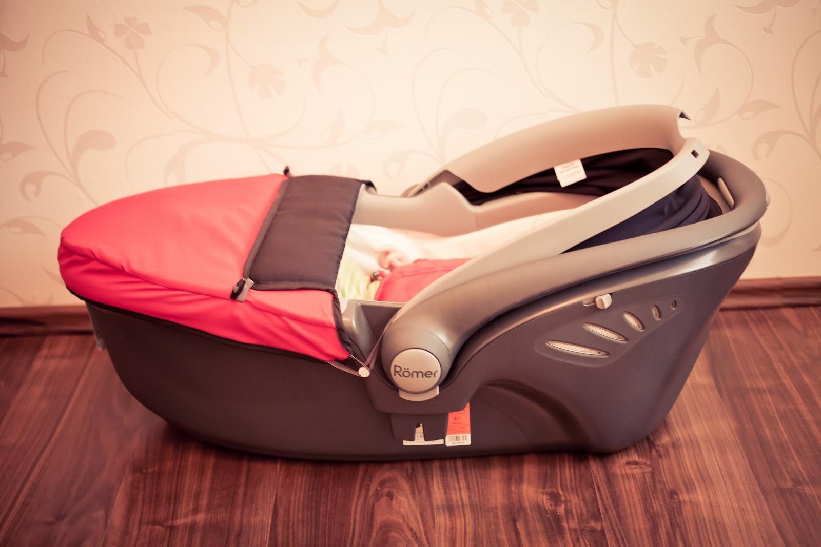 babyschale liegend auto