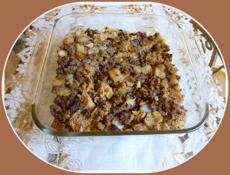 SPLENDID LOW-CARBING BY JENNIFER ELOFF: Bread Sausage Stuffing