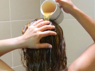 Uses of apple vinegar as beauty treatment