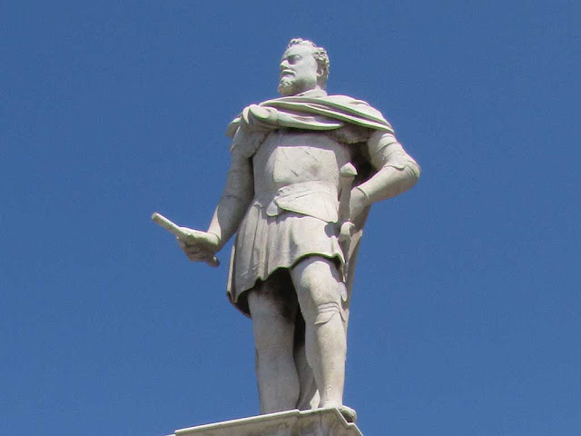 Monument to Ferdinando I de' Medici, Grand Duke of Tuscany, Livorno