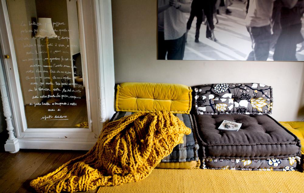 divano materasso cuscinoni trapuntati a mano