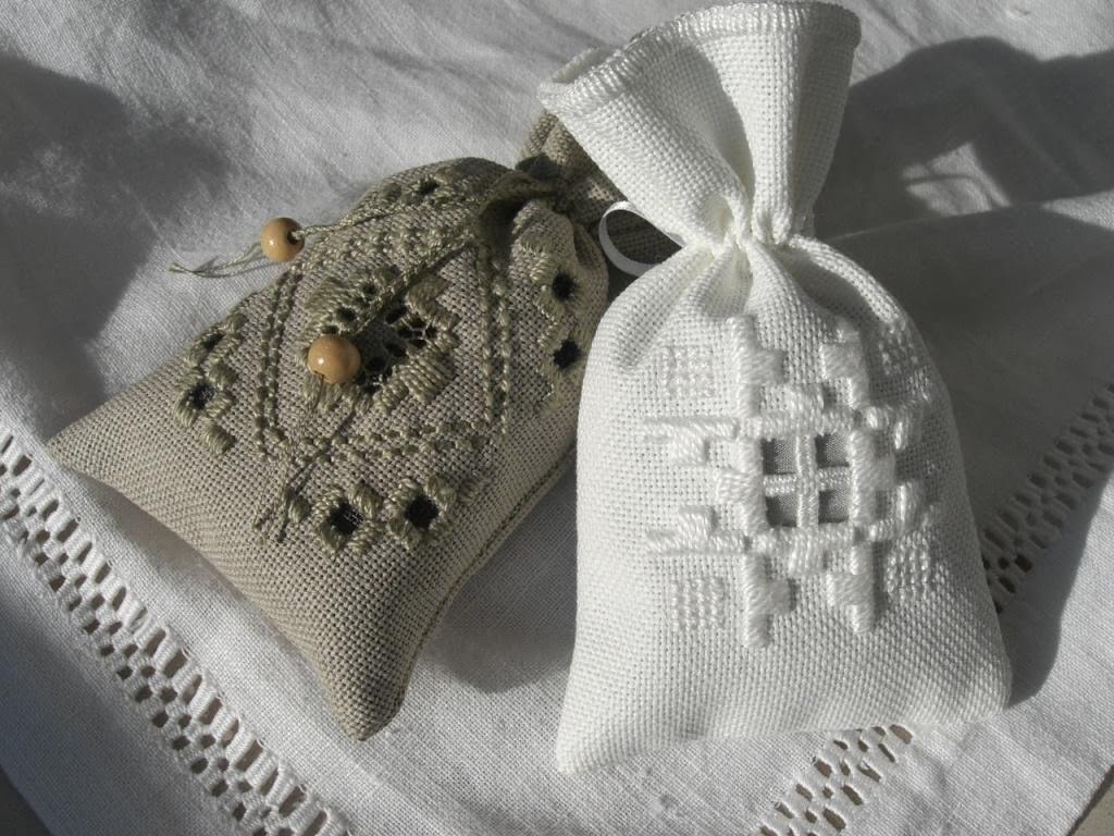 longchamp bricole les sachets lavande en hardanger de janou. Black Bedroom Furniture Sets. Home Design Ideas