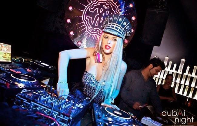 Bỏng mắt ngắm thời trang của các nữ DJ
