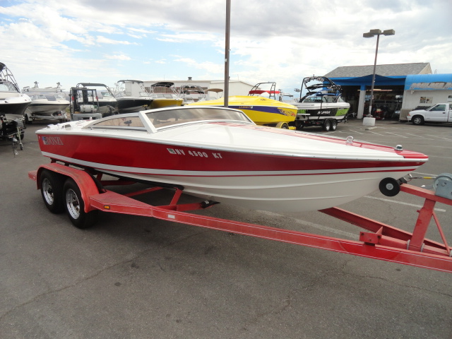 1989 Donzi Classic 18! Super Clean Boat! Very cool boat!